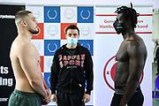 Boxen: Giants Professional Boxing, Session 3, Waage, Hamburg, 16.04.2021<br /> Albon Pervizaj (GER) - Collins Omindi Ojal (KEN)<br /> © Torsten Helmke