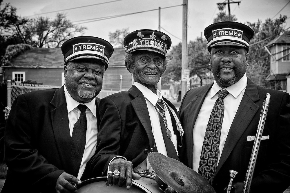 """(L-R) Drummer Bernard """"Bunchy"""" Johnson of the Treme Brass Band, """"Uncle"""" Lionel Batiste of the Treme Brass Band, with Actor Wendell Pierce on the set of HBO's """"TREME"""" (The Pilot) on 31 March 2009 in New Orleans, Louisiana. USA."""