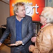 NLD/Amsterdam/20151210 - Andere Tijden sport presentatie seizoen 2016, Elfstedentocht rijder Jan-Roelof Kruithof met presentator Tom Egbers
