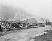 Y-550420A-15 Reimann & McKenney, drum plant, 3000 NW St. Helens Rd, April 20, 1955