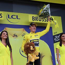 06-07-2019: Wielrennen: Tour de France: Brussel<br />Mike Teunissen wint de eerste etappe in Brussel en is na 30 jaar de opvolger vna Erik  als drager van de Gele Trui