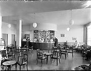 17/05/1956<br /> 05/17/1956<br /> 17 May 1956<br /> Interior views at Dublin Airport. The bar.