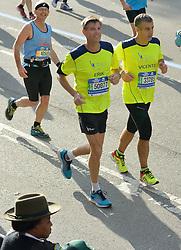 01-11-2015 USA: NYC Marathon We Run 2 Change Diabetes day 4, New York<br /> De dag van de marathon, 42 km en 195 meter door de straten van Staten Island, Brooklyn, Queens, The Bronx en Manhattan / Erik, Vicente