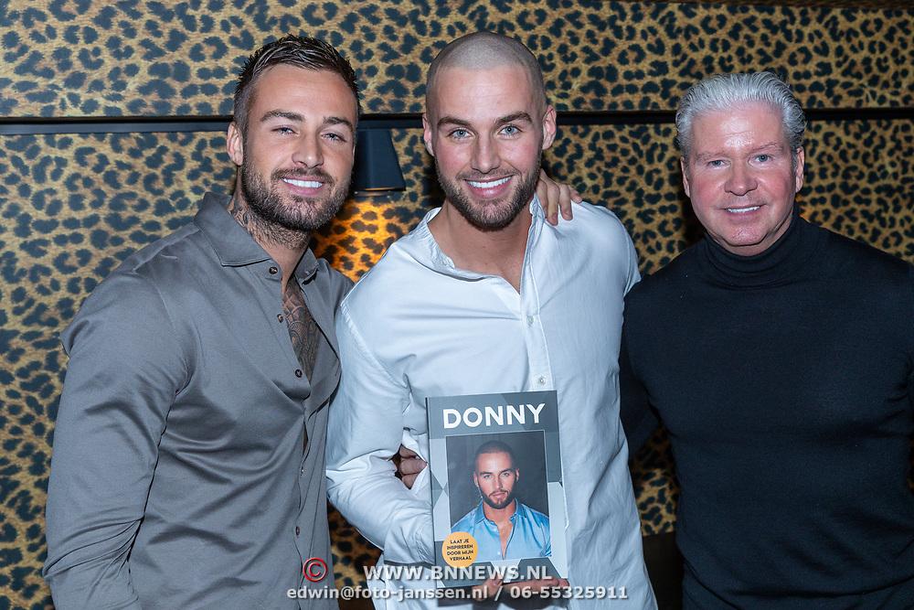 Dave en broer Donny/Amsterdam/20200210 -  Boekpresentatie Donny Roelvink,