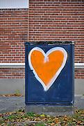 Nederland, Nijmegen, 30-10-2011Op een verdeelkast is met blauw en oranje kleuren een hart geschilderd.Foto: Flip Franssen/Hollandse Hoogte