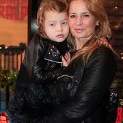 NLD/Haarlem/20121208 - Premiere Wreck - It Ralph, Claudia Schoemacher - van Zweden en dochter Olivia