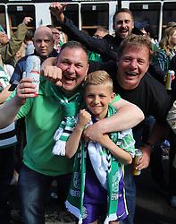 Hibernian Scottish Cup Open Top Bus Edinburgh 14 May 2016; Hibs fans during the open top bus parade in Edinburgh after winning the Scottish Cup.<br /> <br /> (c) Chris McCluskie | Edinburgh Elite media