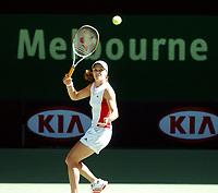 Melbourne  Australian Open  13.01.2006<br />Martina Hingis (SUI)  practices today<br />Photo Roger Parker Fotosports International
