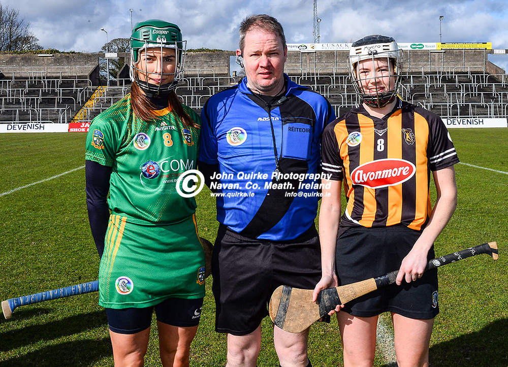 Meath captain, Kristina Troy and Kilkenny captain, Aishling Curtis pictured with referee, Conor Quinlan before the Meath v Kilkenny Littlewoods Ireland Camogie Leagues Division 2  match in Pairc Tailteann, Navan.<br /> <br /> Photo: GERRY SHANAHAN-WWW.QUIRKE.IE<br /> <br /> 08-03-2020