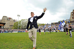Stuart Hooper of Bath Rugby says his goodbyes to the Recreation Ground crowd prior to the match - Mandatory byline: Patrick Khachfe/JMP - 07966 386802 - 07/05/2016 - RUGBY UNION - The Recreation Ground - Bath, England - Bath Rugby v Leicester Tigers - Aviva Premiership.