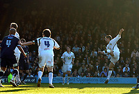 Photo: Ashley Pickering.<br />Southend United v Leeds United. Coca Cola Championship. 17/03/2007.<br />David Healy (R) fires home the equaliser for Leeds