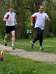 10-04-2014 NED: NY City Marathon training Vriendenloterij, Amsterdam<br /> In het Amsterdamse Vondelpark werden de eerste meters gelegd door de lopers van de vriendenloterij / Bas en Leo