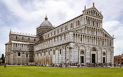 THEMENBILD - die Kathedrale beim Schiefen Turm von Pisa, aufgenommen am 24. Juni 2018 in Pisa, Italien // the Pisa Cathedral at the Leaning Tower of Pisa, Pisa, Italy on 2018/06/24. EXPA Pictures © 2018, PhotoCredit: EXPA/ JFK