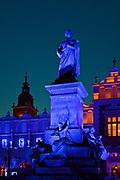 Pomnik Adama Mickiewicza na Rynku Głównym w Krakowie, Polska<br /> Monument to Adam Mickiewicz  on the Main Market Square in Cracow, Poland
