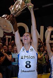 23-04-2005 VOLLEYBAL: HCCNET MARTINUS - LONMGA 59: AMSTELVEEN<br /> <br /> De ploeg uit Lichtenvoorde won ook de derde wedstrijd in de best-of-five tegen HCCNet/Martinus, ditmaal met 3-1/ <br /> <br /> ©2005-WWW.FOTOHOOGENDOORN.NL