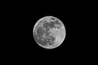 Almost Full Moon from New Jersey. Image taken with a Nikon D3x and 300 mm f/2.8 lens with TC-E 20 II Teleconverter. Tel(ISO 100, 600 mm, f/8, 1/400 sec)