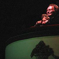 Nederland.amsterdam.,13 september 2004..Schrijver Remco Campert tijdens zijn 75ste verjaardagsfeestje in de Kleine Comedie..Writer and poet Remco Campert celebrating his 75th anniversary.