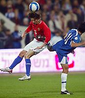 Fotball<br /> EM-kvalifisering<br /> 07.10.2006<br /> Russland v Israel<br /> Foto: Dppi/Digitalsport<br /> NORWAY ONLY<br /> <br /> FOOTBALL - EURO 2008 - QUALIFYING ROUND - GROUP E  - RUSSIA v ISRAEL - 07/10/2006<br /> <br /> ALEXEI SMERTIN (RUS) / IDAN TAL (ISR)