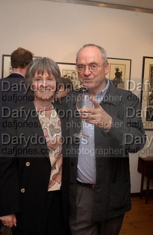 Priscilla Garland and Nicholas Garland, Nicholas Garland prints and drawings, Fine Art Society. 13 May 2003. © Copyright Photograph by Dafydd Jones 66 Stockwell Park Rd. London SW9 0DA Tel 020 7733 0108 www.dafjones.com