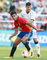 Spain's Rodrigo (l) and Italy's Orsolini during international sub 21 friendly match. September 1,2017.(ALTERPHOTOS/Acero)
