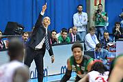 DESCRIZIONE : Final Eight Coppa Italia 2015 Desio Quarti di Finale Olimpia EA7 Emporio Armani Milano - Sidigas Scandone Avellino <br /> GIOCATORE :Vitucci Francesco<br /> CATEGORIA :Coach Fair Play<br /> SQUADRA : Sidigas Avellino<br /> EVENTO : Final Eight Coppa Italia 2015 Desio <br /> GARA : Olimpia EA7 Emporio Armani Milano - Sidigas Scandone Avellino <br /> DATA : 20/02/2015 <br /> SPORT : Pallacanestro <br /> AUTORE : Agenzia Ciamillo-Castoria/I.Mancini