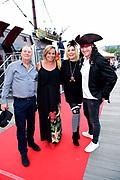 Premiere van Pirates of the Caribbean: Salazar's Revenge in het Scheepvaart Museum in Amsterdam.<br /> <br /> Op de foto:  Selma van Dijk met haar partner Tom Keizer en Gallyon van Vessem met haar partner Greg de Jong