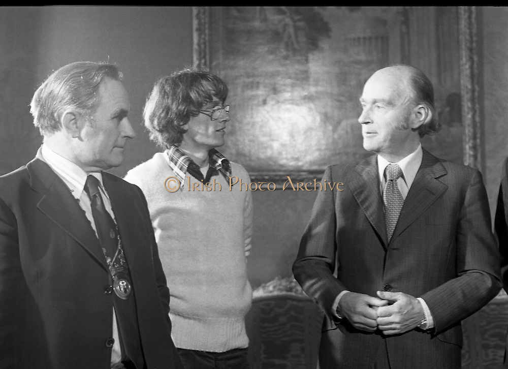31/03/1978.03/31/1978.31st March 1978.John Treacy meets the President..After his World Championship Cross Country win, John Treacy, returned to Dublin to be received by President Hillery at Aras an Uachtarain. With them is Bill Coghlan, President B.L.E. Treacy would go on to retain his title the following year.