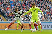 v.l. David Abraham (Frankfurt), Dong-Won Ji<br /> Frankfurt, 22.04.2017, Fussball Bundesliga, Eintracht Frankfurt - FC Augsburg<br /> <br /> Norway only