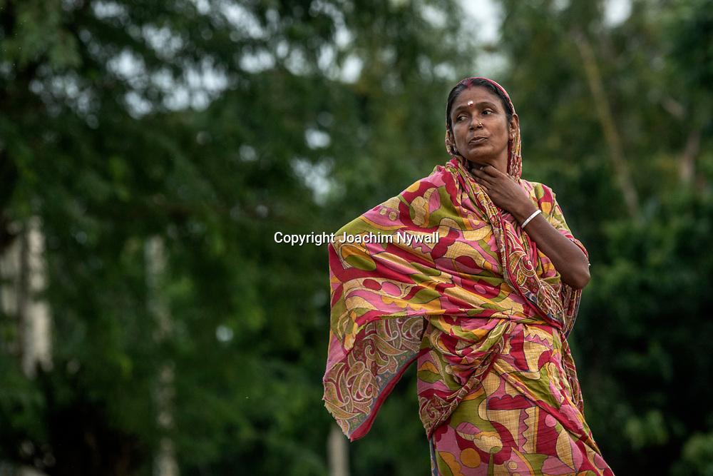 2019 10. 05  Sunderbans West Bengal Indien<br /> Kvinnor<br /> <br /> <br /> ----<br /> FOTO : JOACHIM NYWALL KOD 0708840825_1<br /> COPYRIGHT JOACHIM NYWALL<br /> <br /> ***BETALBILD***<br /> Redovisas till <br /> NYWALL MEDIA AB<br /> Strandgatan 30<br /> 461 31 Trollhättan<br /> Prislista enl BLF , om inget annat avtalas.