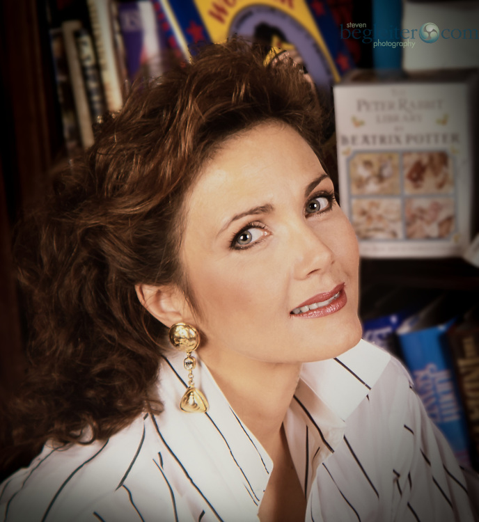 Actress, Lynda Carter photographed in her home in Delaware for Us Magazine in 1997