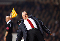 Fotball<br /> Foto: Propaganda/Digitalsport<br /> NORWAY ONLY<br /> <br /> London, England - Tuesday, January 30, 2007: Liverpool's manager Rafael Benitez takes a tumble during the Premiership match against West Ham United  at Upton Park