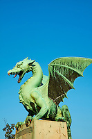 Slovénie, Ljubljana, capitale de la Slovénie, Pont des Dragons // Slovenia, Ljubljana, Dragon Bridge