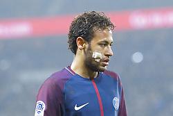 December 20, 2017 - Paris, Ile de France, France - Neymar da Silva Santos Junior - Neymar Jr (PSG) avec un pansement sur la joue droite (Credit Image: © Panoramic via ZUMA Press)