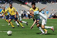 Fotball<br /> Olympiske leker i Aten<br /> Finale<br /> Argentina v Paraguay<br /> 28. august 2004<br /> Foto: Digitalsport<br /> NORWAY ONLY<br /> ANDRES D'ALESSANDRO (ARG) / OSVALDO DIAZ (PAR)