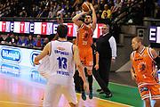 DESCRIZIONE : Treviso Lega due 2015-16  Universo Treviso De Longhi - Aurora Basket Jesi<br /> GIOCATORE : marco santiangeli<br /> CATEGORIA : Tiro<br /> SQUADRA : Universo Treviso De Longhi - Aurora Basket Jesi<br /> EVENTO : Campionato Lega A 2015-2016 <br /> GARA : Universo Treviso De Longhi - Aurora Basket Jesi<br /> DATA : 31/10/2015<br /> SPORT : Pallacanestro <br /> AUTORE : Agenzia Ciamillo-Castoria/M.Gregolin<br /> Galleria : Lega Basket A 2015-2016  <br /> Fotonotizia :  Treviso Lega due 2015-16  Universo Treviso De Longhi - Aurora Basket Jesi