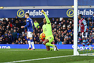 Everton Goalkeeper Tim Howard shouts for offside. Barclays Premier League match, Everton v Aston Villa at Goodison Park in Liverpool on Saturday 21st November 2015.<br /> pic by Chris Stading, Andrew Orchard sports photography.