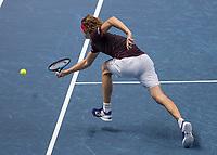 Tennis - 2017 Nitto ATP Finals at The O2 - Day Three<br /> <br /> Group Boris Becker Singles: Roger Federer (Switzerland) Vs Alexander Zverev (Germany)<br /> <br /> Alexander Zverev (Germany) stretches to reach a Roger Federer (Switzerland) drop shot at the O2 Arena<br /> <br /> COLORSPORT/DANIEL BEARHAM