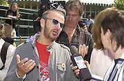 Ringo Starr .  Chelsea Flower show, 25 May 2004. ONE TIME USE ONLY - DO NOT ARCHIVE  © Copyright Photograph by Dafydd Jones 66 Stockwell Park Rd. London SW9 0DA Tel 020 7733 0108 www.dafjones.com