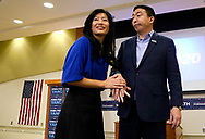 Democratic 2020 U.S. presidential candidate and entrepreneur Andrew Yang stands with his wife Evelyn after speaking at a town hall meeting in Sioux City, Iowa, January 27, 2020.     REUTERS/Rick Wilking