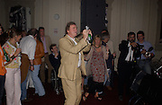 Christopher Simon Sykes, Planet Potato, Bush Hall, 310 Uxbridge Rd. 17 June 2004. ONE TIME USE ONLY - DO NOT ARCHIVE  © Copyright Photograph by Dafydd Jones 66 Stockwell Park Rd. London SW9 0DA Tel 020 7733 0108 www.dafjones.com