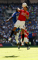 Photo: Richard Lane/Sportsbeat Images.<br />Manchester United v Chelsea. FA Community Shield. 05/08/2007. <br />United's Ryan Giggs gets up for a header.