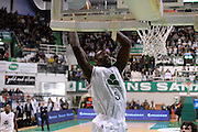 DESCRIZIONE : Siena Lega A 2013-14 Montepaschi Siena Umana Venezia<br /> GIOCATORE : Othello Hunter<br /> CATEGORIA : tiro<br /> SQUADRA : Montepaschi Siena<br /> EVENTO : Campionato Lega A 2013-2014<br /> GARA : Montepaschi Siena Umana Venezia<br /> DATA : 11/11/2013<br /> SPORT : Pallacanestro <br /> AUTORE : Agenzia Ciamillo-Castoria/GiulioCiamillo<br /> Galleria : Lega Basket A 2013-2014  <br /> Fotonotizia : Siena Lega A 2013-14 Montepaschi Siena Umana Venezia<br /> Predefinita :