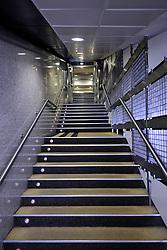 THEMENBILD, ESTADIO SANTIAGO BERNABEU, es ist das Fußballstadion des spanischen Vereins Real Madrid. Es liegt im Zentrum der Stadt Madrid im Viertel Chamartin. Seit der letzten Modernisierung im Jahr 2005 fasst es 80.354 Zuschauer und ist seit 14. November 2007 als UEFA-Elite-Stadion ausgezeichnet, der hoechsten Klassifikation des Europaeischen Fußballverbandes. Das Stadion wurde am 14. Dezember 1947 als Nuevo Estadio Chamartin mit 75.000 Plaetzen offiziell eroeffnet. Am 14. Januar 1955 stimmte die Mitgliederversammlung des Klubs für die Umbenennung des Stadions zu Ehren des damaligen Vereinspraesidenten Santiago Bernabeu, nach dessen Vision die Spielstaette gebaut wurde. Im Bild Blick in Spielertunnel. Bild aufgenommen am 27.03.2012. EXPA Pictures © 2012, PhotoCredit: EXPA/ Eibner/ Michael Weber..***** ATTENTION - OUT OF GER *****
