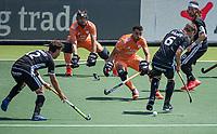 AMSTELVEEN - Glenn Schuurman (Ned) loopt uit met voetbeschermers,  EK hockey, finale Nederland-Duitsland 2-2. mannen.  Nederland wint de shoot outs en is Europees Kampioen.  COPYRIGHT KOEN SUYK