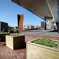 Nederland, Amsterdam , 27 mei 2013.<br /> Anti ramkraak bloembakken voor het Stedelijk Museum aan de kant van het Museumplein,<br /> Anti-ram raid flower boxes in front of the Stedelijk Museum Amsterdam for modern art.