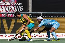 (L-R) Tim Brand of Australia, Jarmanpreet Singh of India during the Champions Trophy finale between the Australia and India on the fields of BH&BC Breda on Juli 1, 2018 in Breda, the Netherlands.