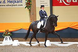 Vrees - Witte Madeleine (NED) - Wynton<br /> KNHS Indoorkampioenschappen 2010<br /> © Hippo Foto - Leanjo de Koster
