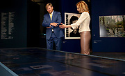 ROTTERDAM, 09-06-2021 ,  Nederlands Fotomuseum <br /> <br /> Koning Willem Alexander tijdens een bezoek aan het Nederlands Fotomuseum in Rotterdam. De Koning wordt tijdens zijn bezoek geïnformeerd over de ontwikkeling van de Nederlandse fotografie en over de totstandkoming van de nieuwe Eregalerij van de Nederlandse fotografie. De opening van de Eregalerij door de Koning in januari kon niet doorgaan door de sluiting van het museum vanwege de coronapandemie. Inmiddels heropent de culturele sector weer.