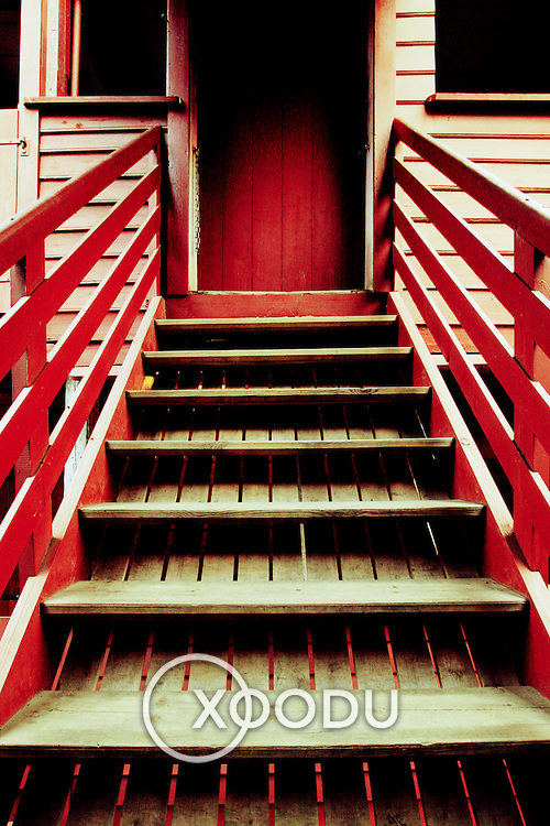 Wooden staircase, Bergen, Norway (July 2006)