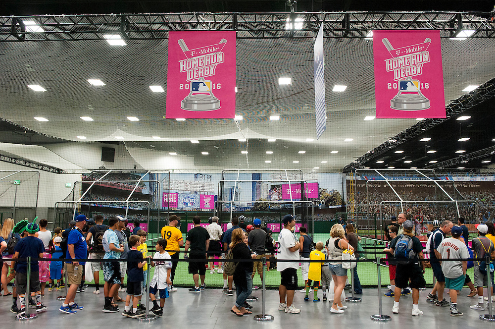 """Fans wait to hit """"home runs"""" during the 2016 MLB All-Star FanFest at the San Diego Convention Center on Friday.<br /> <br /> ///ADDITIONAL INFO:   <br /> <br /> Fanfest.0709.kjs  ---  Photo by KEVIN SULLIVAN / Orange County Register  -- 7/8/16<br /> <br /> The 2016 MLB All-Star game Fan Fest at Petco Park and the San Diego Convention Center."""